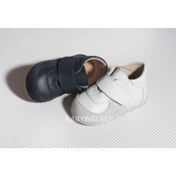 Μονόχρωμο Δερμάτινο Sneakers για τα πρώτα Βήματα PRI 2038 Babywalker